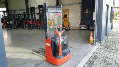 Linde L10 only 820 hours!