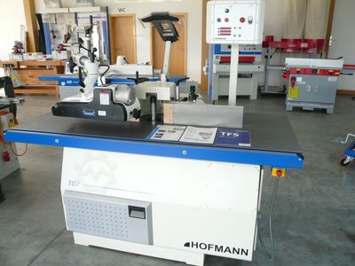 Table milling machine TFS 107