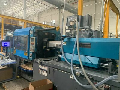 INJECTION MOLDING MACHINE 500 TONS