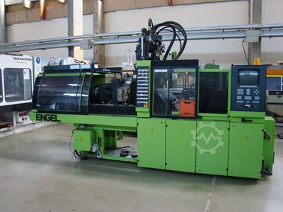 injection moulding machinenn