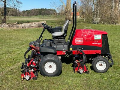 Sports field mower reel mowers