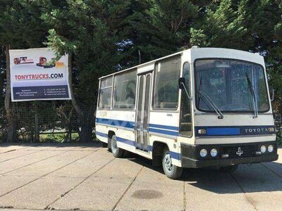 Toyota DYNA 250 4X2 20 Person bus Manual gearbox