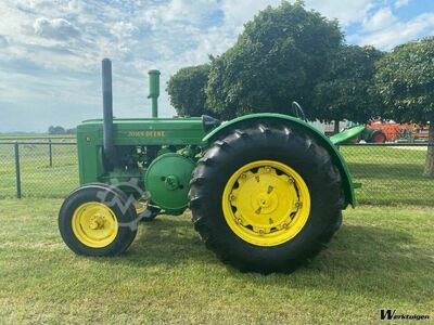 John Deere D ANTIQUE