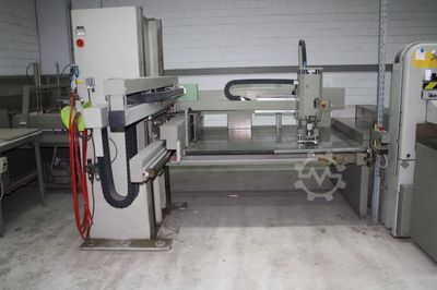 Loader and Unloader Cutting machine