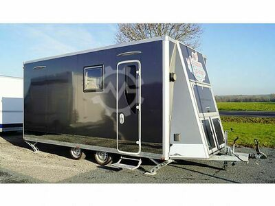 Multitrailer Caravan+Garage