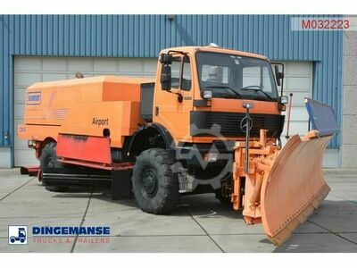 Mercedes-Benz SK 2031 4x4x4 Schmidt CJS9 airport sweeper snow pl