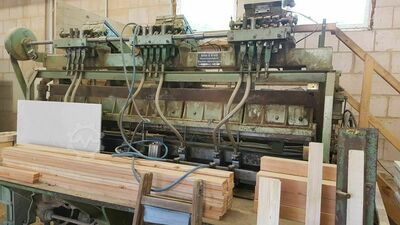 Machines for the production of cable drums