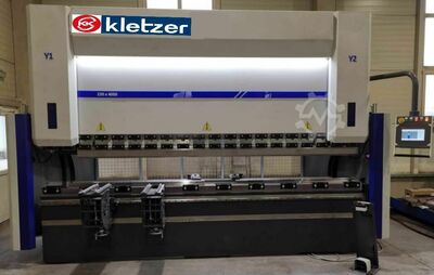 KK-Industries CNC Abkantpresse KKI EUROPA XL 6050 mm x 320 to, Y