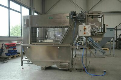 Preserving and sack-filling machine