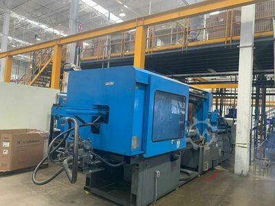 INJECTION MOLDING MACHINE 400 TONS