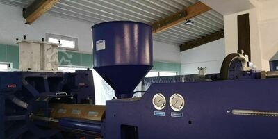 Injection moulding machine 350ton Opt. with accessories