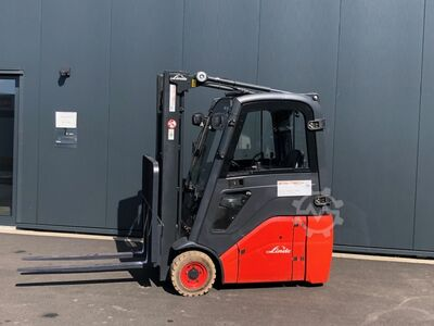 Electric 3-wheel forklift