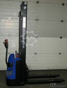 Everlift Full electric stacker entry model 35
