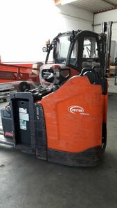 Electric lift truck with long forks 2400mm