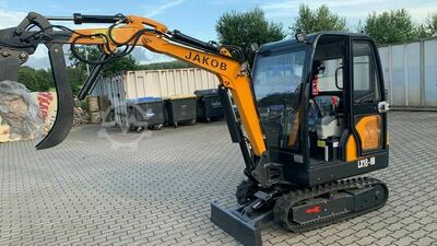 1.8 ton new mini digger with extras