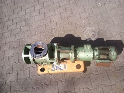 Rotary valve with geared motor