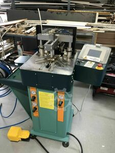 JOINING - GLUEING MACHINE FOR FRAMES