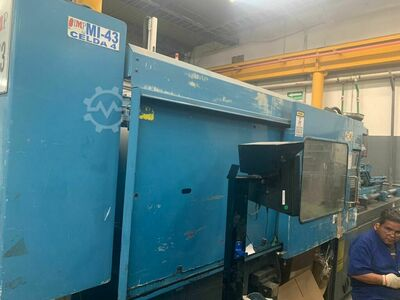 INJECTION MOLDING MACHINE 300 TONS