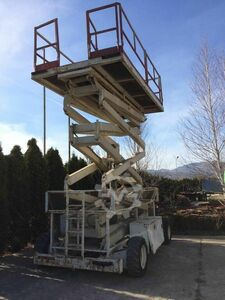 Work platform 17m-500kg, good condition