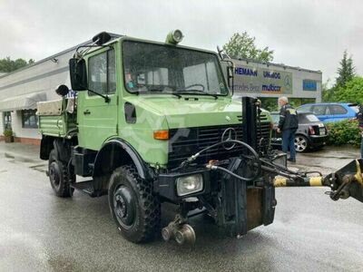 Unimog U 1200 Road and Rail