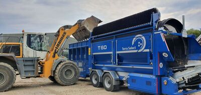 Mobile drum screening plant