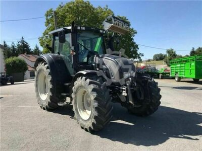Valtra Tracteur agricole N142