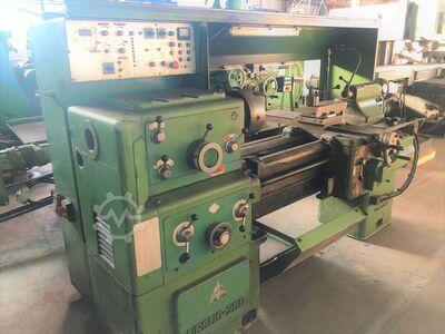 Ursus Ursus 250/2 Lathe machine*