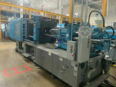 INJECTION MOLDING MACHINE 330 TONS