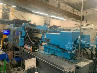 INJECTION MOLDING MACHINE 245 TONS