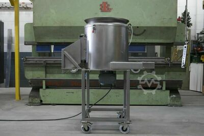 Peeling machine for vegetables, fruits