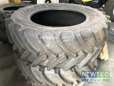 New Holland 540/65 R 30 + 650/65 R 42