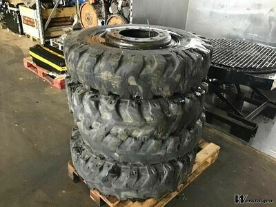 Liebherr Air Tire 10.00/20