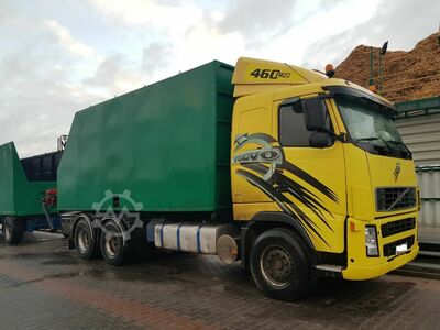 Volvo FH12 460 6x4 with HDS for wood chips