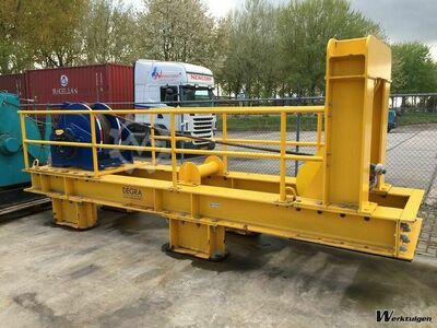 DEGRA Lifting frame with winch for Multcat