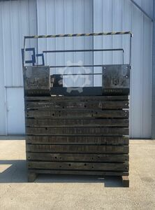 Cast iron clamping cube