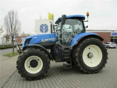 New Holland T7.220 AutoCommand Junge Maschine
