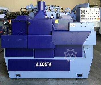 Two spindle multiple ripsaw