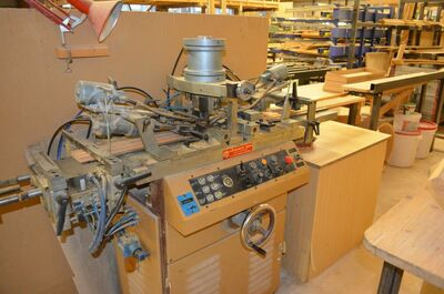 Carving machine pneumatic