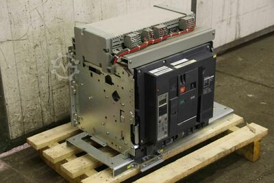 Schneider Electric Masterpact NW32 H10