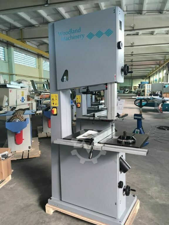 WOODLAND MACHINERY  600