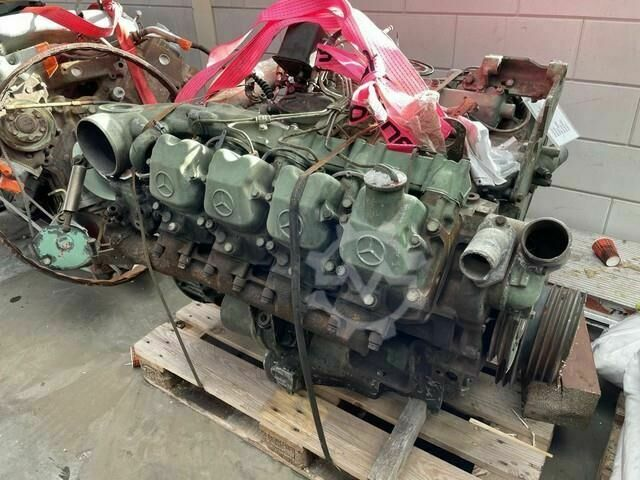 Mercedes-Benz V8 OM422 Engine Complete
