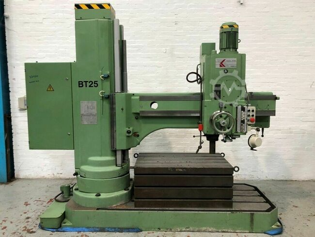 KITCHEN & WALKER KWM50 1600mm Radial Drill with Box Table
