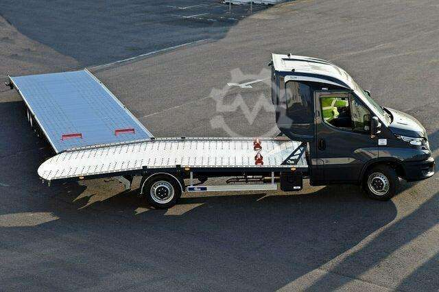 Iveco Daily Autotransport Zug mit Anhänger