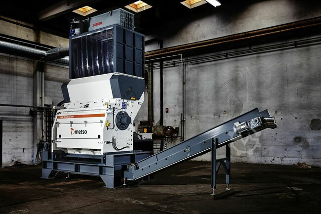Metso Waste recycling FineShred 1550