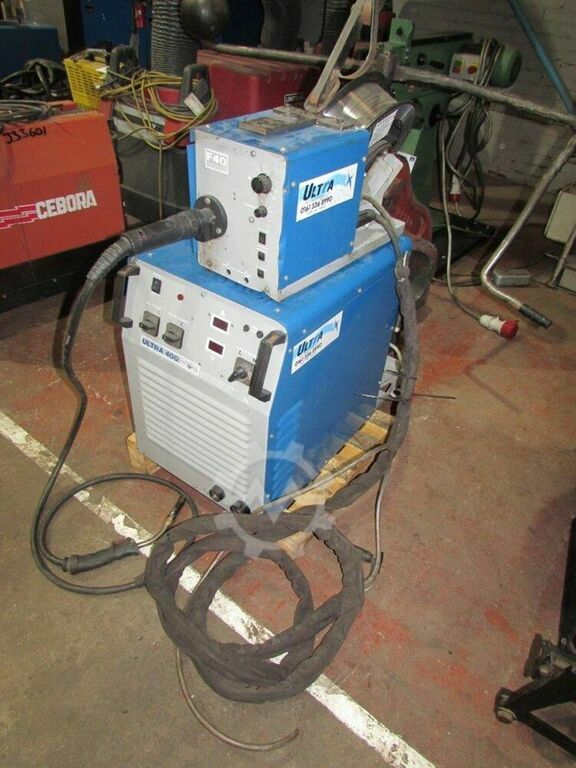 ULTRA 400 Amp Mig Welder. With Wire Feed