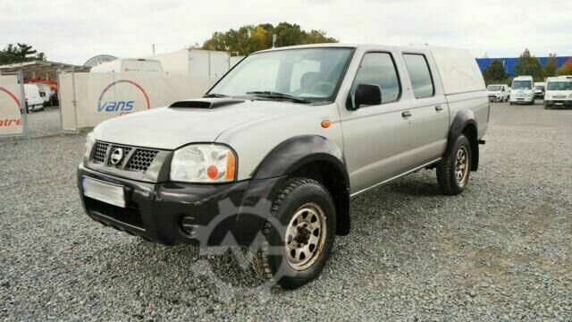 Nissan NP 300 DOUBLE CAB/ 5 sitze/ PICK UP /4X4