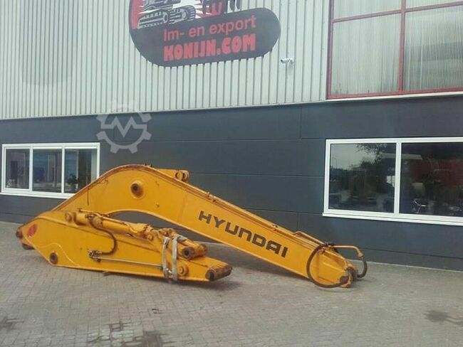 Hyundai 290 complete boom equipment