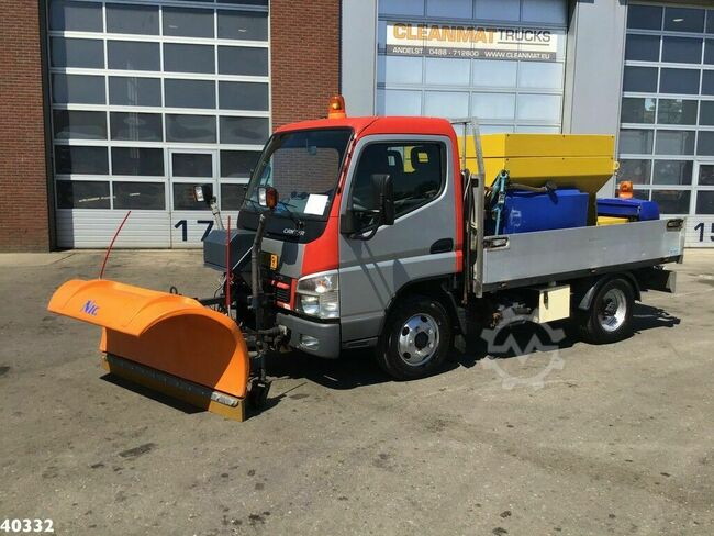 Mitsubishi Canter 5S13 3.0 DI 250 Nido salt spreader + plough