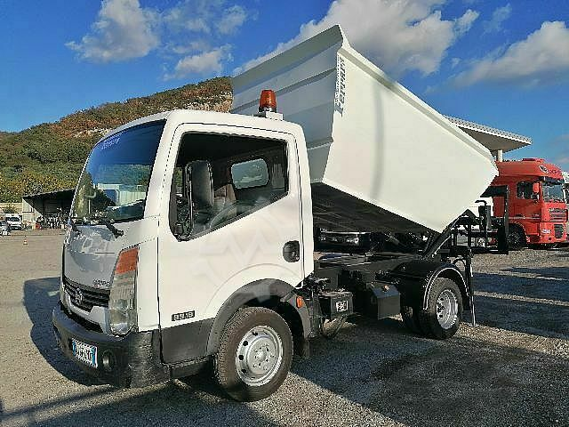 Sonstige/Other NISSAN CABSTAR