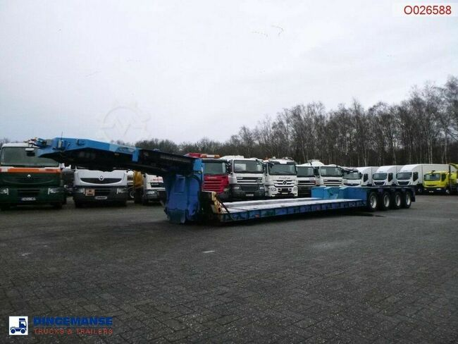 Goldhofer 4-axle lowbed trailer 94T//STZ-VHH-47/80A//4 steer